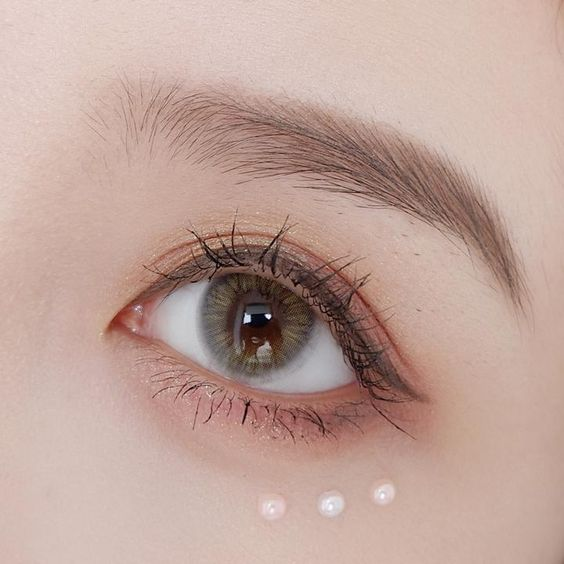 All the Important Faqs About Coloured and Regular Contact Lenses