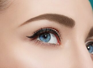Best Ways To Grow Your Eyelashes Longer Naturally